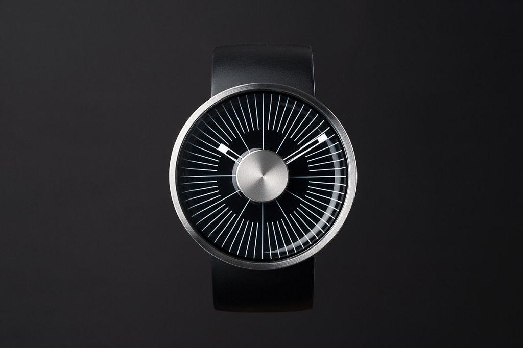 Uhr-schwarz.jpg